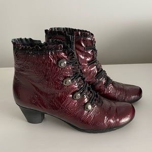 Jose Saenz Burgundy Patent Leather Boots S 39